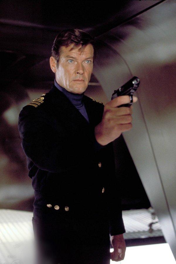 Роджер Мур — The Spy Who Loved Me (Шпион, который меня любил), 1977