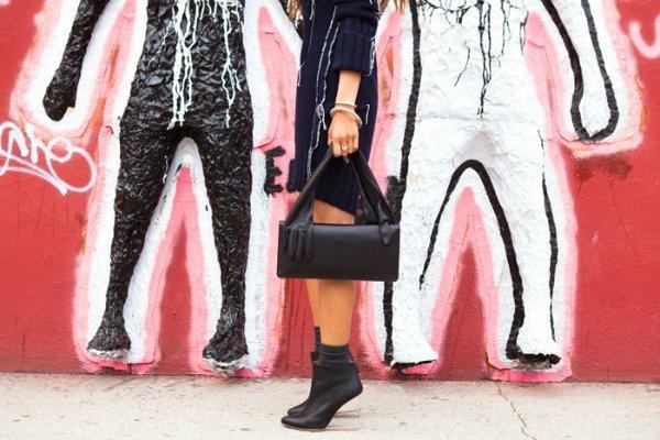 Платье-свитер, ботильоны, сумка Maison Martin Margiela for H&M