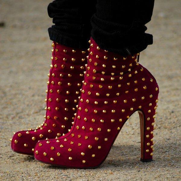 cb257581ee3e Трендовые шипы осень-зима 2012-2013: куртки, сумки и обувь с острыми ...
