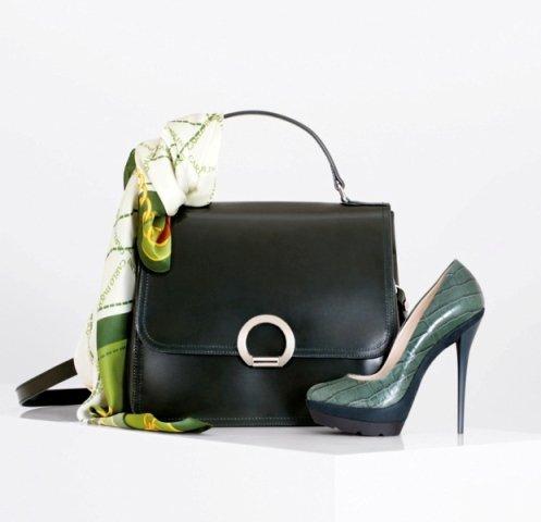 Прелесть современной моды заключается в том, что, будучи ее частью, мало лишь слепо следовать переменчивым подиумным...