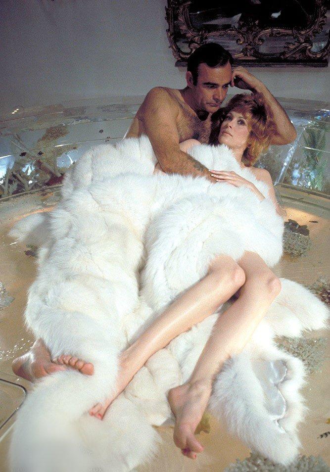 Diamonds are Forever (Бриллианты навсегда), 1971 — Джилл Ст. Джон