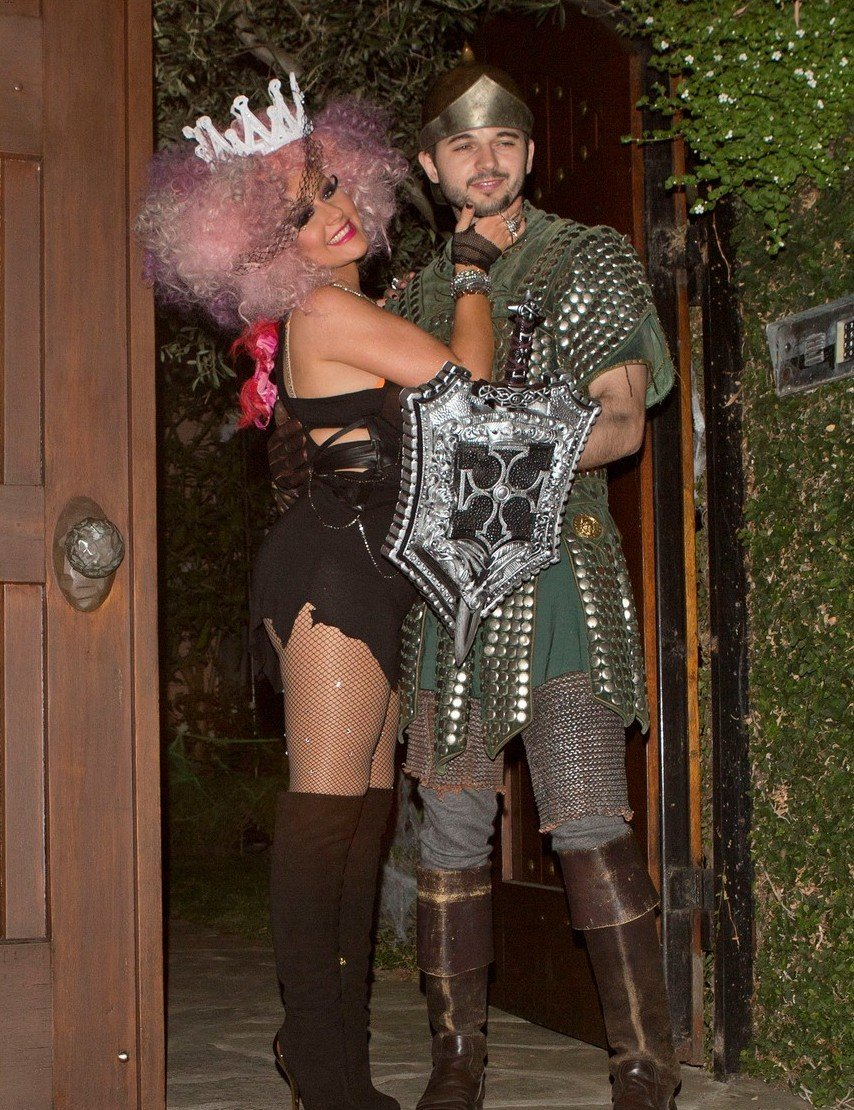 Звездные костюмы на Halloween: Ким Кардашьян, Дита фон Тиз ... - photo#16