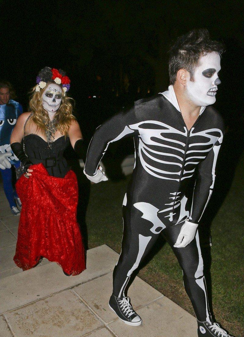 Звездные костюмы на Halloween: Ким Кардашьян, Дита фон Тиз ... - photo#21