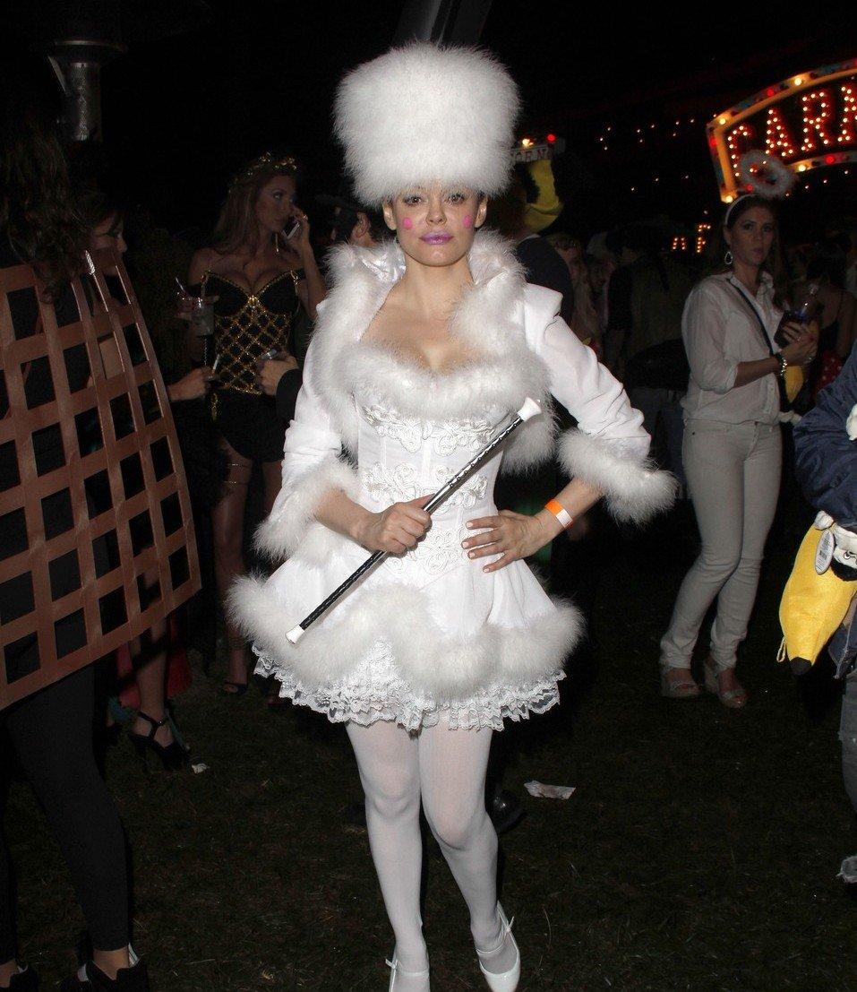 Звездные костюмы на Halloween: Ким Кардашьян, Дита фон Тиз ... - photo#10