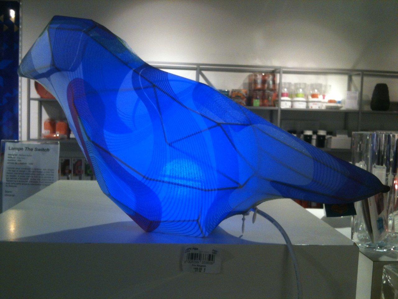 Сувенирная лавка в центре искусств Pompidou