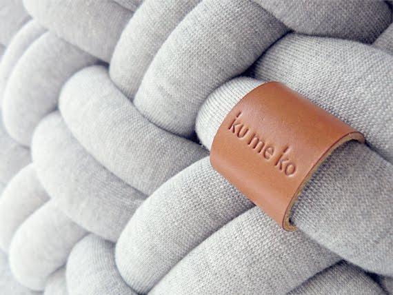 Плетеные пуфики Knotty Cushion от французкой студии Kumeko.