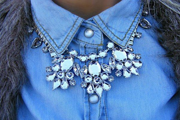 Ожерелье из камней фото