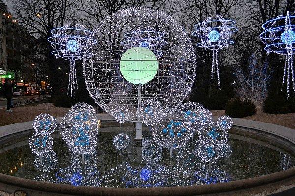 Рождественская иллюминация на Елисейских Полях