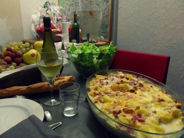 Традиционное французское блюдо tartiflette