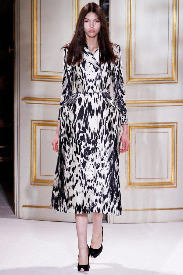 Показ коллекции Giambattista Valli весна-лето 2013 в рамках Couture Fashion Week
