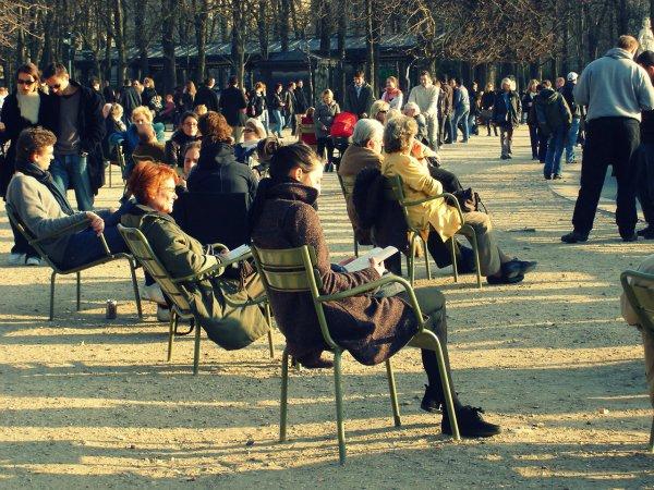 В Париже повсюду одни арабы и афроамериканцы