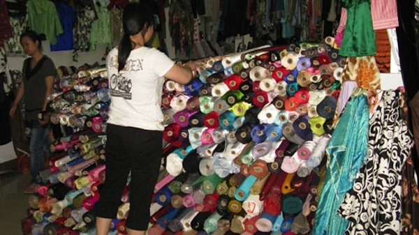 50-The-Shanghai-Fabric-Market-carries-silks-in-every-color.jpg
