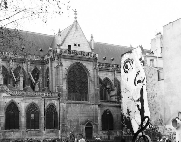 4. церковь Сен-Мерри и граффити рядом с центром Помпиду
