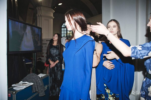 Backstage Elena Burba осень-зима 2013-2014 (19)