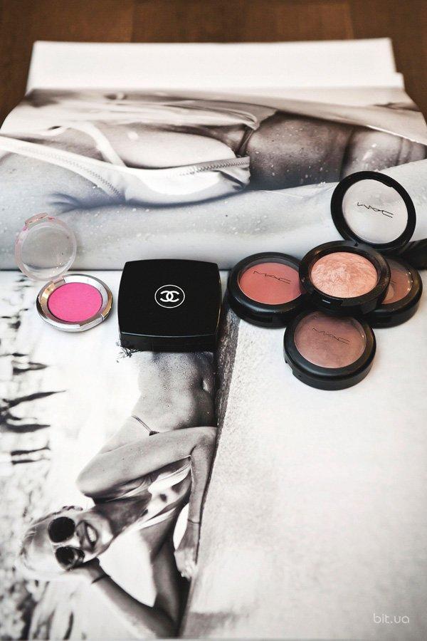 Les Tissages de Chanel Blush Duo Tweed Effect, Chanel; Mineralize Blush, M.A.C; Pro Longwear Blush, M.A.C