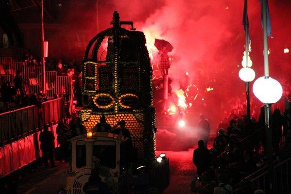 80 дней вокруг света и цитруса: Фестиваль лимонов во французском Ментоне