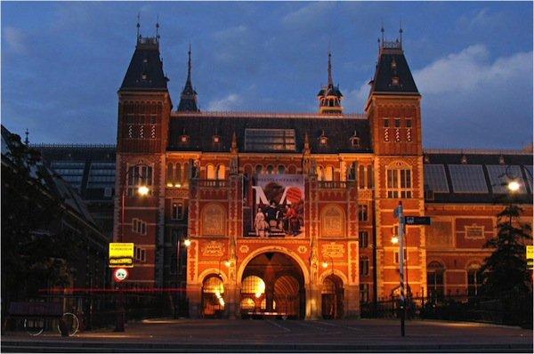 M01-rijksmuseum_night