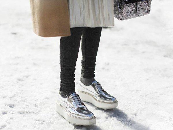 Туфли с эффектом металлик