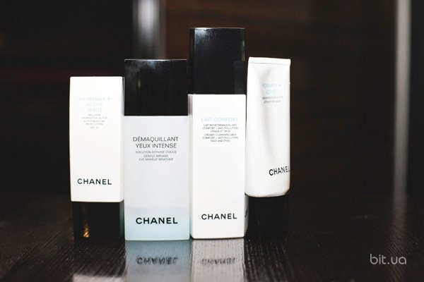 Demaquillant Yeux Intense,  Chanel; Lait Confort, Chanel; Hydramax+ Active Moisture Mask,  Chanel; Hydramax+ Active Teinte,  Chanel