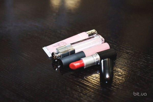 Matte Lipstick, M.A.C; Lustreglass, M.A.C; Dior Addict Lip Maximizer, Dior; Beauty Rush Gloss, Victoria's Secret