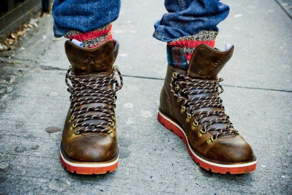 Как красиво завязыват шнурки обувь
