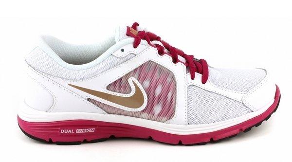Выбор редакции: 25 стильных моделей кроссовок на весну