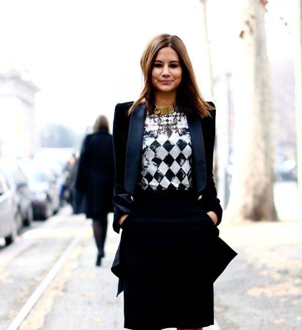 Christine-Centenera-in-Balmain-checkered-tshirt-and-jacket