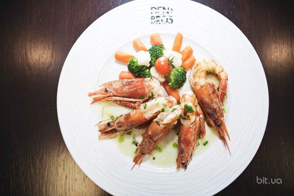 Коктейль-бар и ресторан средиземноморских вкусов Den&Bros
