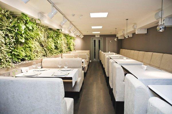 Новое заведение: коктейль бар и ресторан средиземноморских вкусов Den&Bros