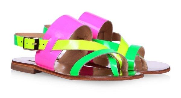 Выбор редакции: 25 трендовых сандалей лета