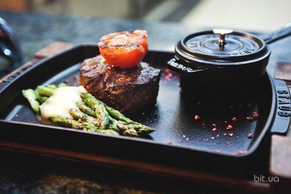 10 мест в Киеве, где можно съесть вкусный стейк