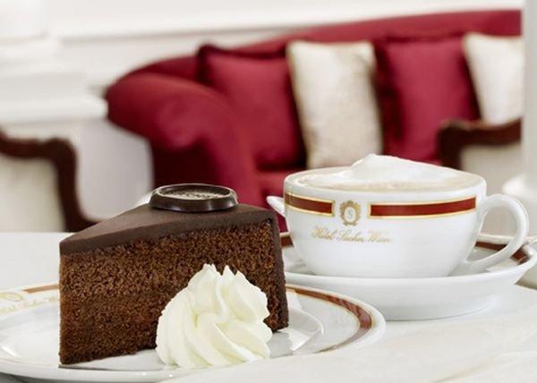 История десерта: 5 фактов про торт «Захер» и рецепт