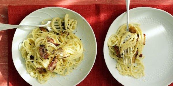 4 летних рецепта пасты - с пассатой, оливками, беконом и креветками