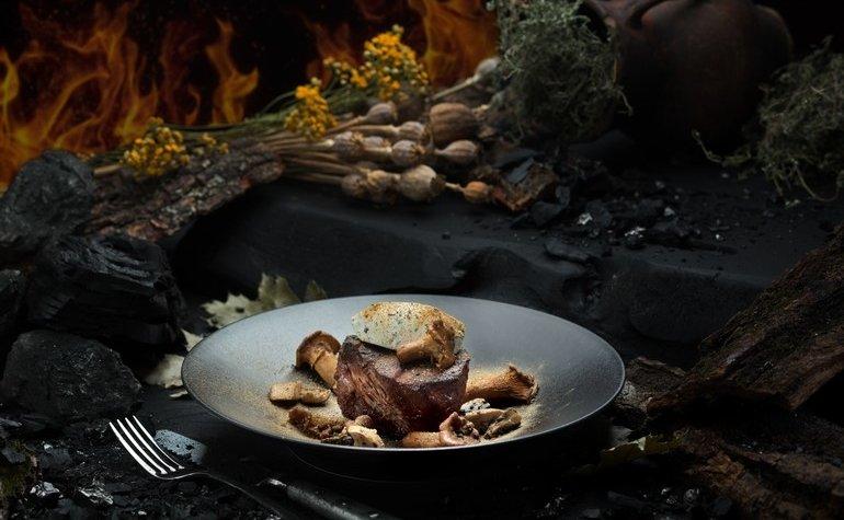 Филе-миньон с соусом из маскарпоне и дикими грибами