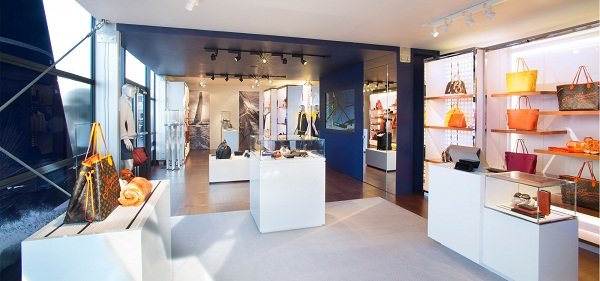 LV-Cup-Pop-Up-Store-2