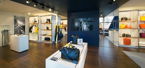 LV-Cup-Pop-Up-Store-3