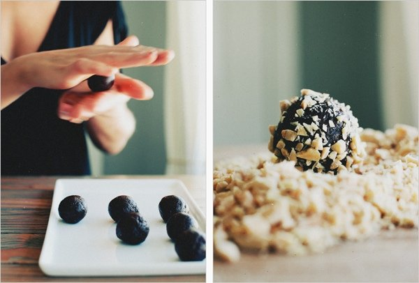 Полезные десерты: трюфельные конфеты финик&миндаль