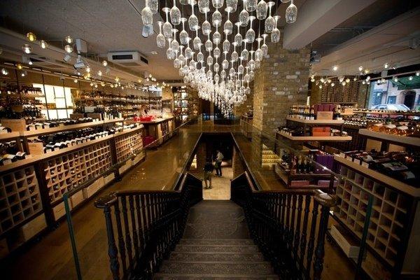 """10 цитат Евгения Чичваркина о вине: """"Вино я впервые распробовал десять лет назад во Франции и понял, что в мире есть напитки, кроме виски"""""""