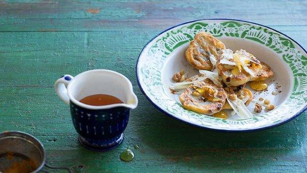 Полезные десерты: грецкие орехи с медом - 2 идеи