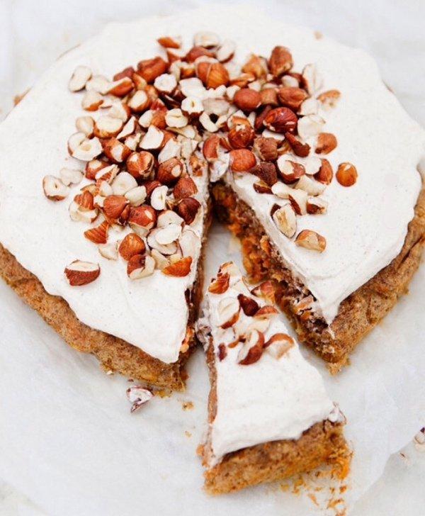 Полезные десерты: полезный морковный пирог