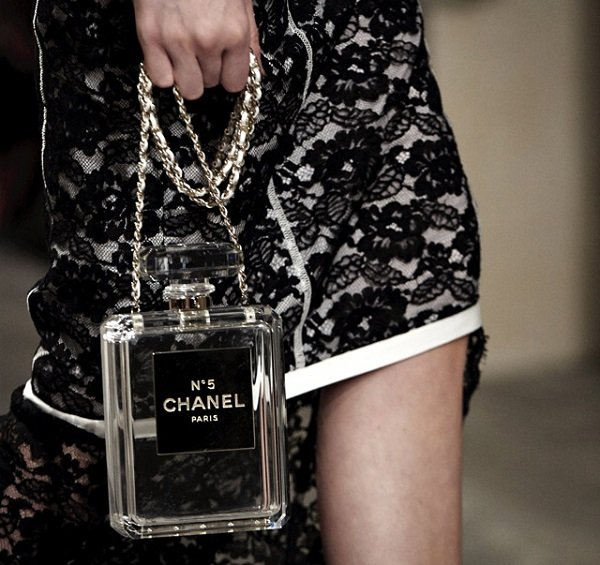 Chanel-No.-5-Perfume-Bottle-Clutch-Clear (1)