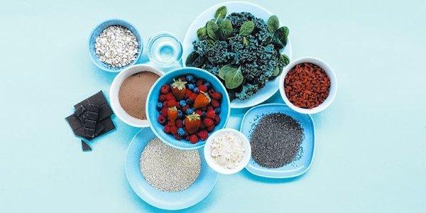 Полезные десерты: что такое суперфуды и рецепт крекеров