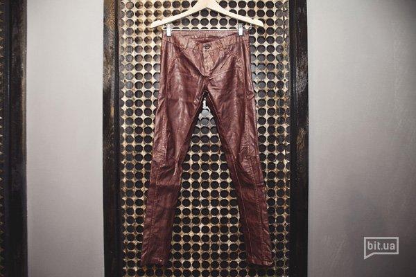 брюки — 940 грн
