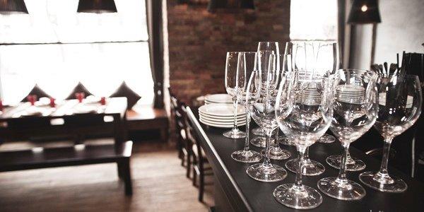 Ресторанный дайджест за неделю: еще один KFC, новая Кулинарная Академия, Vogue cafe и фестиваль вина