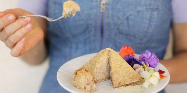 Полезные десерты: сыроедческий лимонно-имбирный пирог