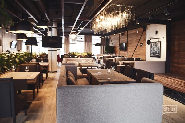"""Новое заведение: ресторан с видом - """"Веранда на Ривьере"""" на Осокорках"""