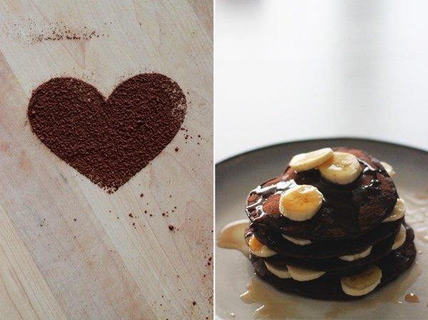 Полезные десерты: шоколадные оладьи к завтраку