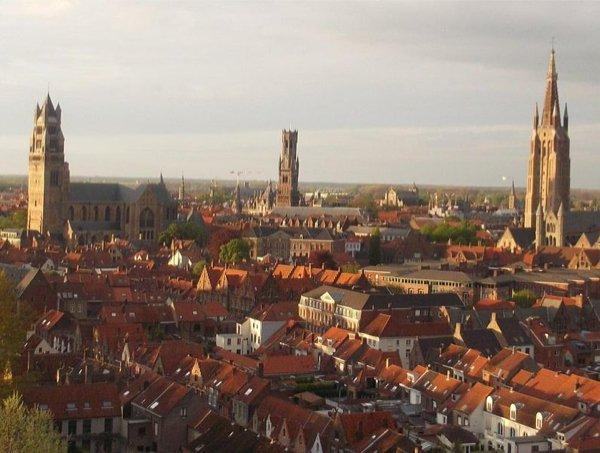 796px-Brugge_view_on_the_center_of_the_city 1