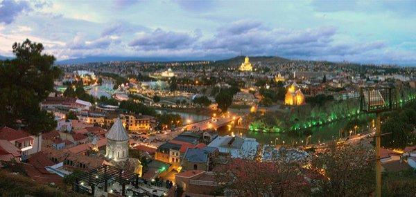 800px-Tbilisi_sunset-6 1