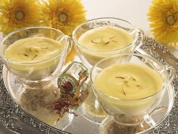Полезные десерты: три индийских аюрведических пудинга - кхиры из миндаля, моркови и фиников
